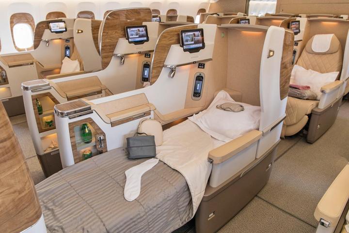 ek-777-300ER aircraft