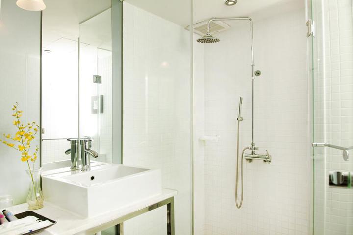 taiwan-sunrise-business-hotel-bathroom