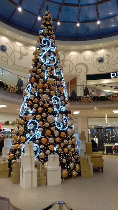 Kerstboom in winkelcentrum Oldenburg