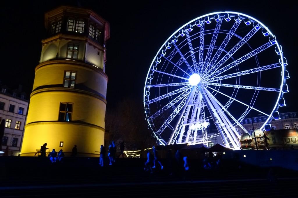 Reuzenrad Düsseldorf kerstmarkt