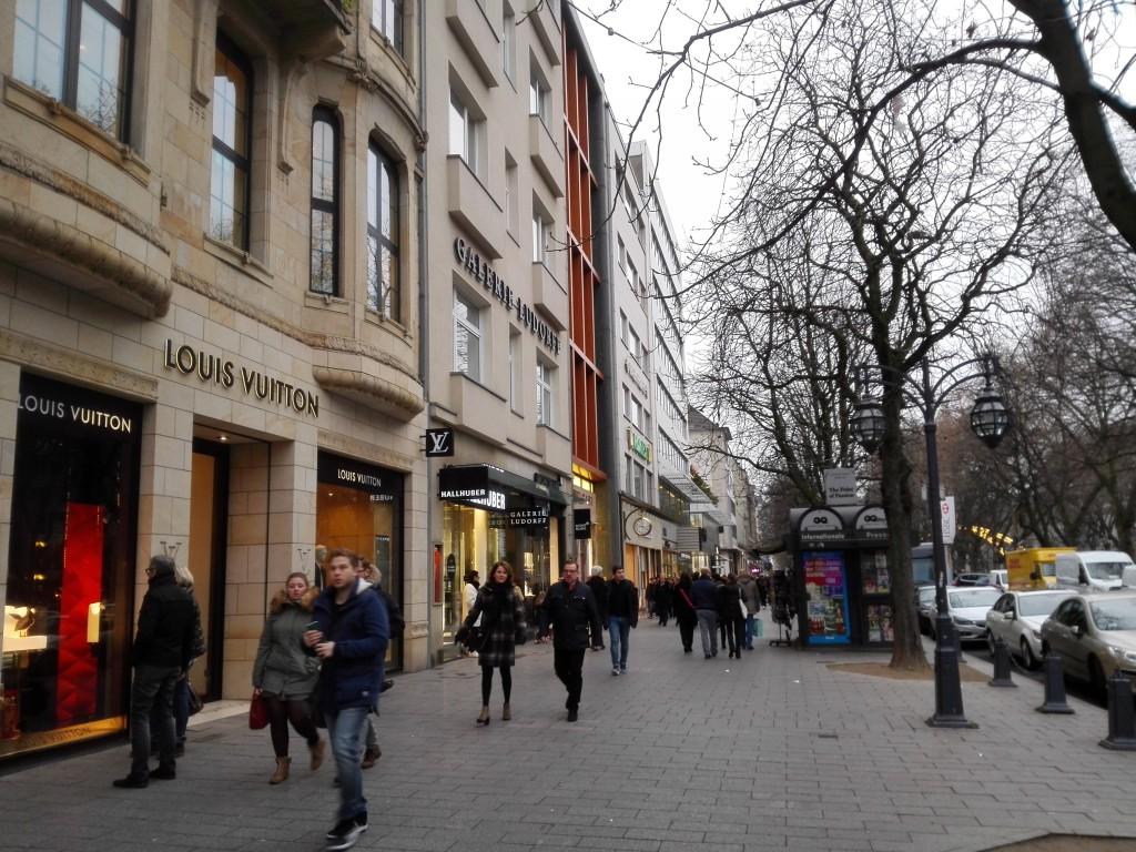 Köningsallee Düsseldorf kerstmarkt