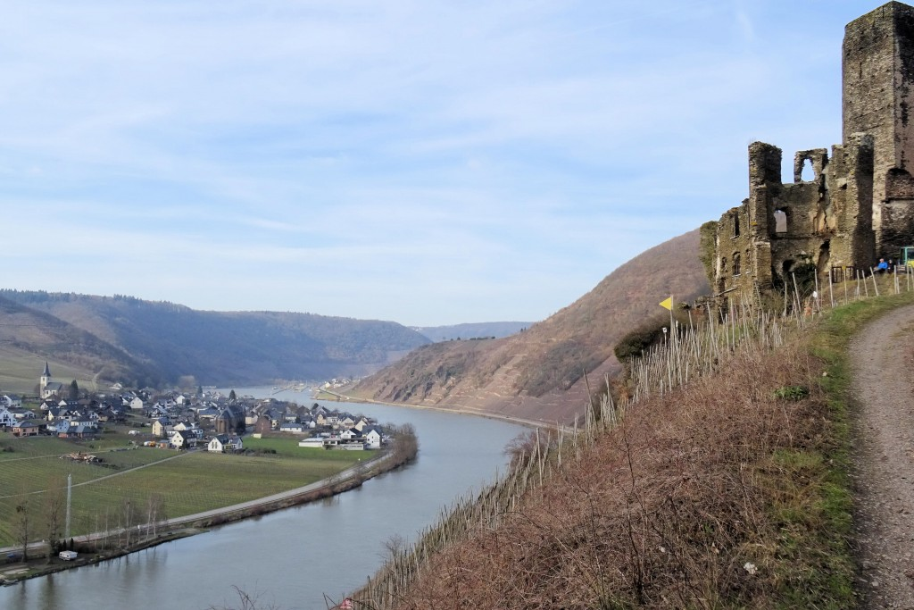 Burg Metternich Beilstein Moesel Duitsland