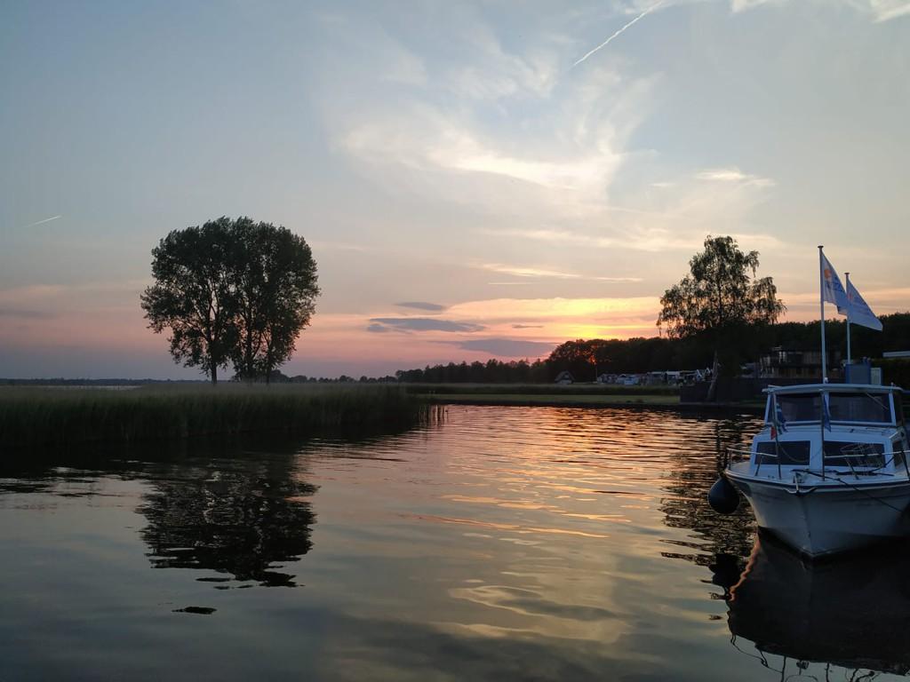 zonsondergang Zuidlaardermeer