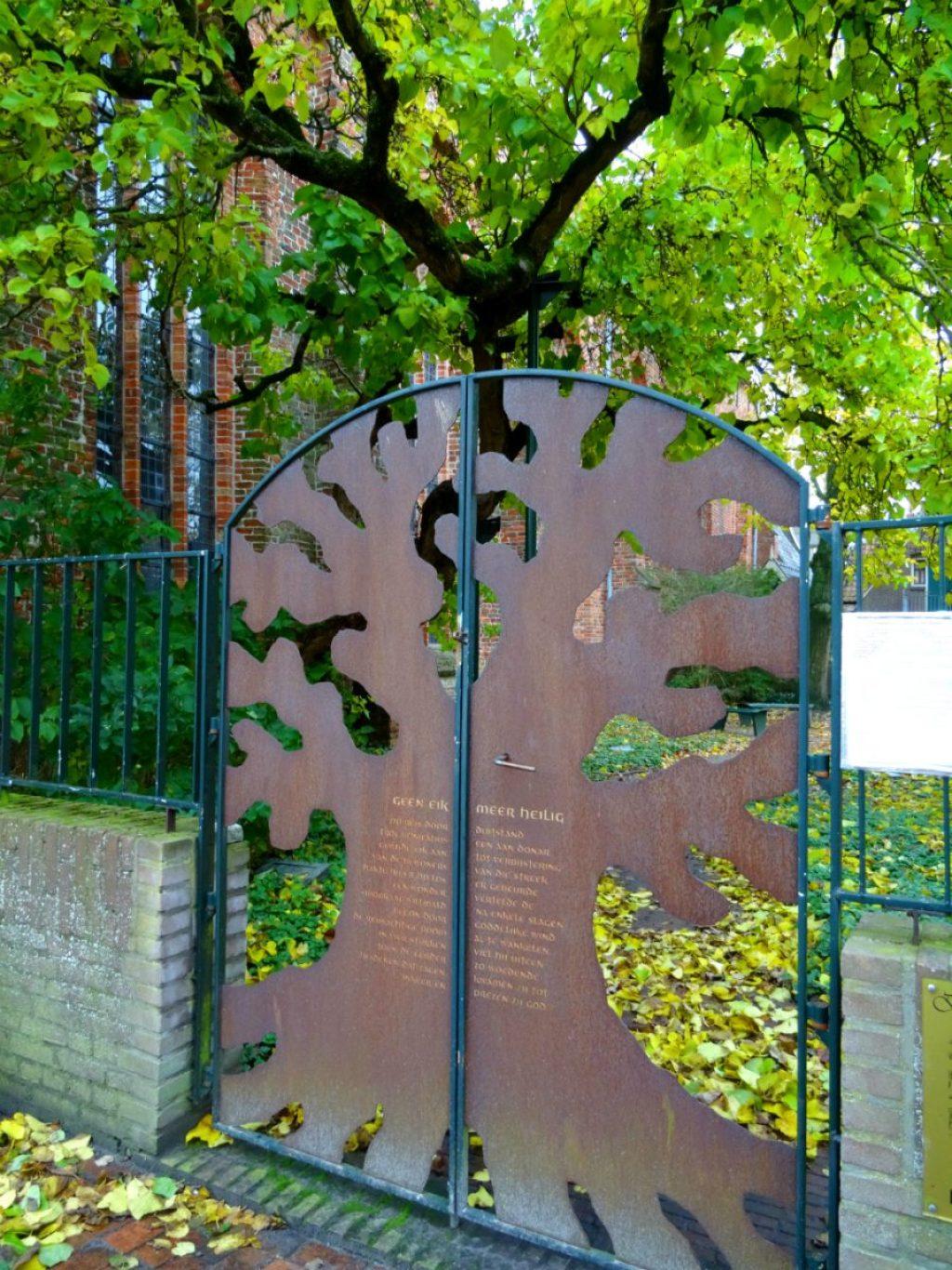Hek grote of Sint-Martinuskerk - Stadswandeling Dokkum