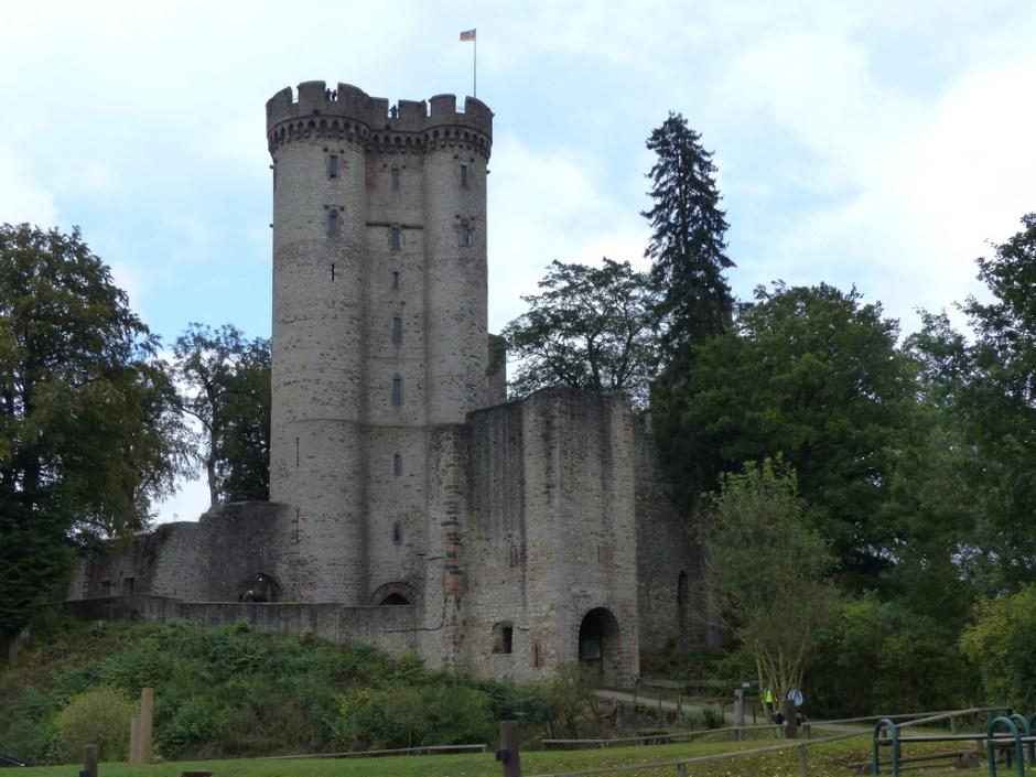 Kassselburg Felsenpfad
