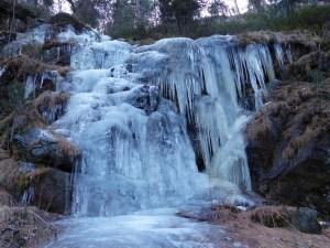 Bevroren waterval