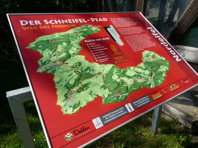 Informatiepaneel van het Schneifelpad
