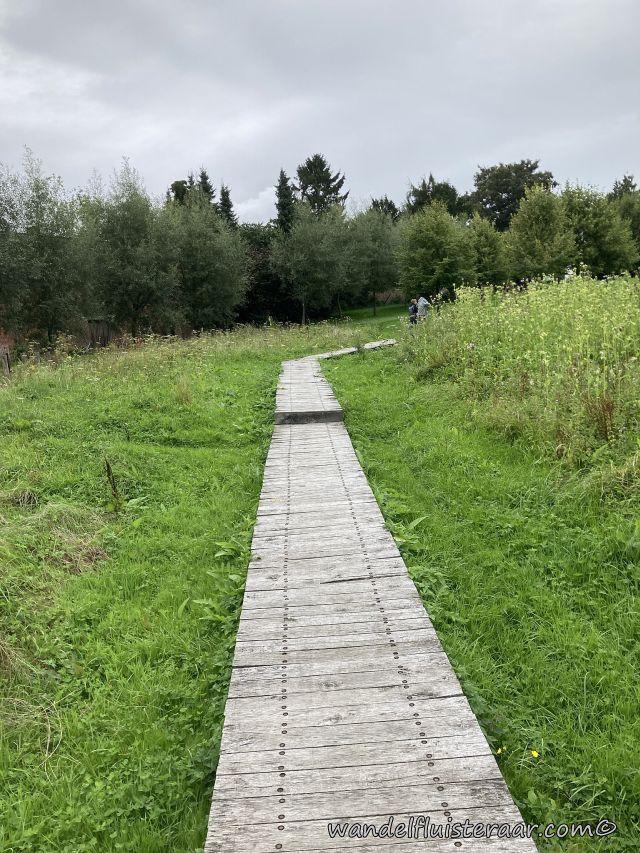 Dit padje lijdt naar de Baljuwtuin en zal je tegen komen tijdens je wandelingen in Galmaarden