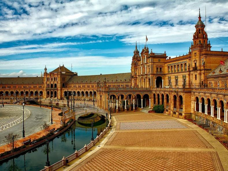 Self drive Spain itinerary; Spain driving holiday; Spain road trip; self drive holidays in Europe