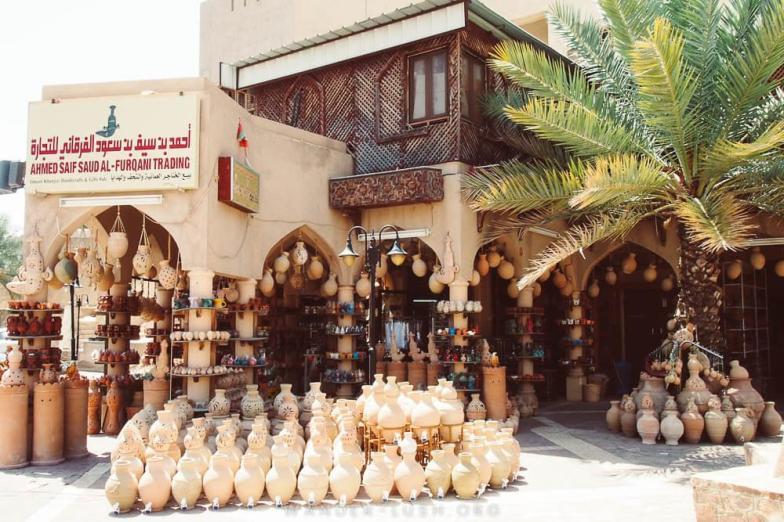 Nizwa souq. Photo credit: Copyright Emily Lush | Oman road trip