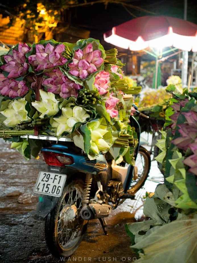 Binh Dong Floating Flower Market.Hanoi S Quang Ba Flower Market Long Bien Market A Complete Guide