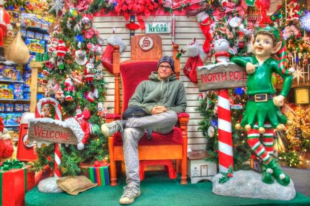 Ich übernehme für Santa Claus, er kommt erst um 9:00 Uhr