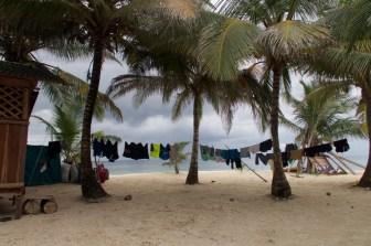 San Blas Inseln, beim Wäsche trocknen