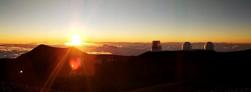 Sunset on top Mauna Kea mountain, Hawaii