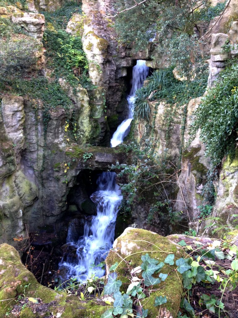 Parc des Buttes Chaumont Waterfall