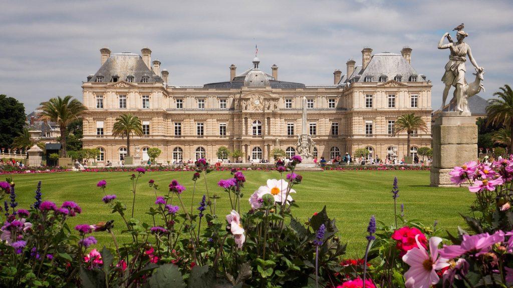 Jardin de Luxembourg in Paris in summer