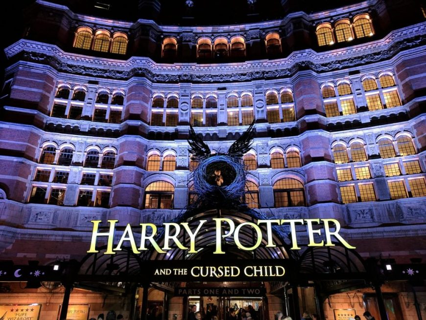"Harry Potter et l'enfant maudit ""width ="" 870 ""height ="" 653 ""data-recalc-dims ="" 1 ""/> <br /> <span style="