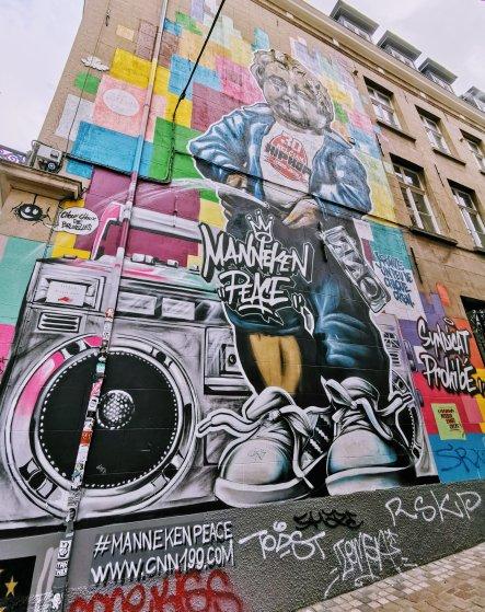 Brussels Street Art: Manneken Peace