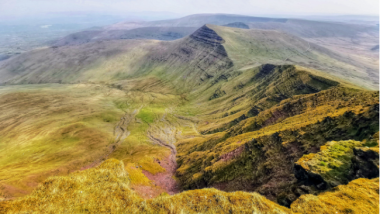Hiking Pen Y Fan & Corn Du: Routes, Maps & Tips