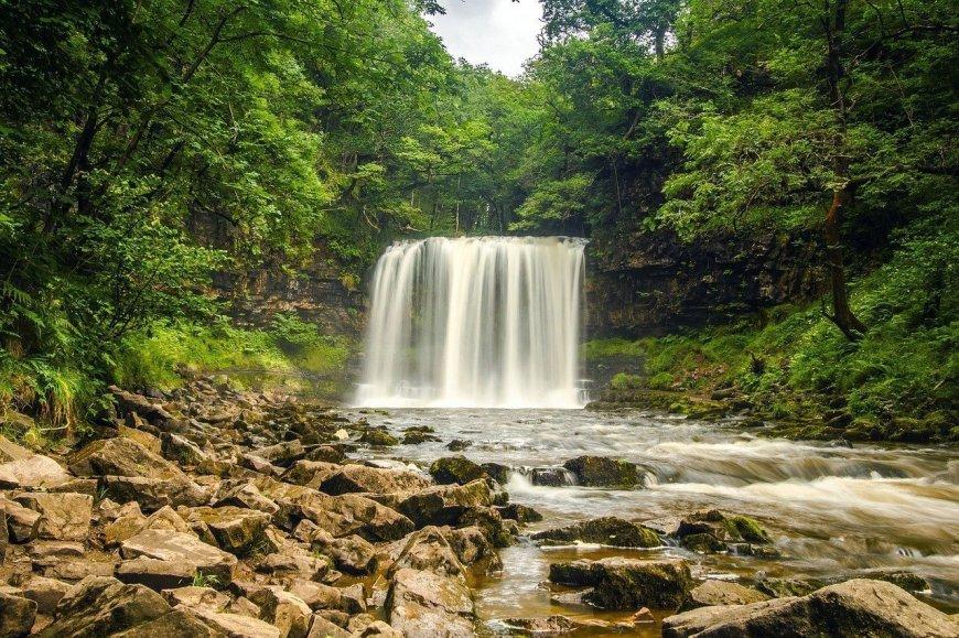 Four Waterfalls Walk - Falls of Snow