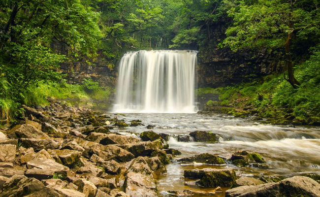 Stunning Brecon Beacons Walks: Four Waterfalls Route