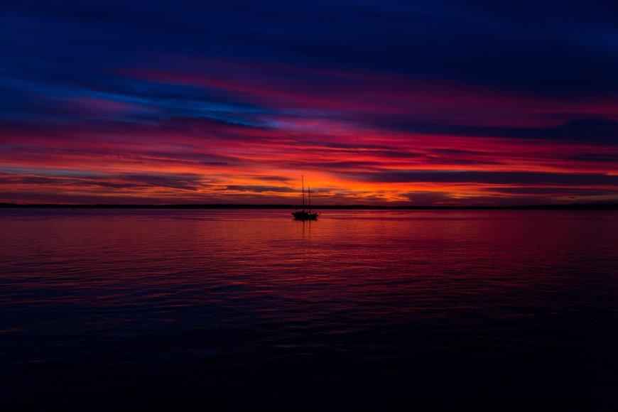 2-Hour Sunset Dinner Cruise from Lahaina, Hawaii