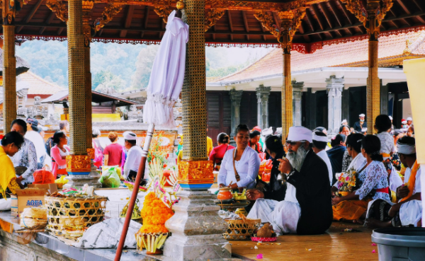 Balinese Culture & Etiquette: A Guide for First Time Visitors