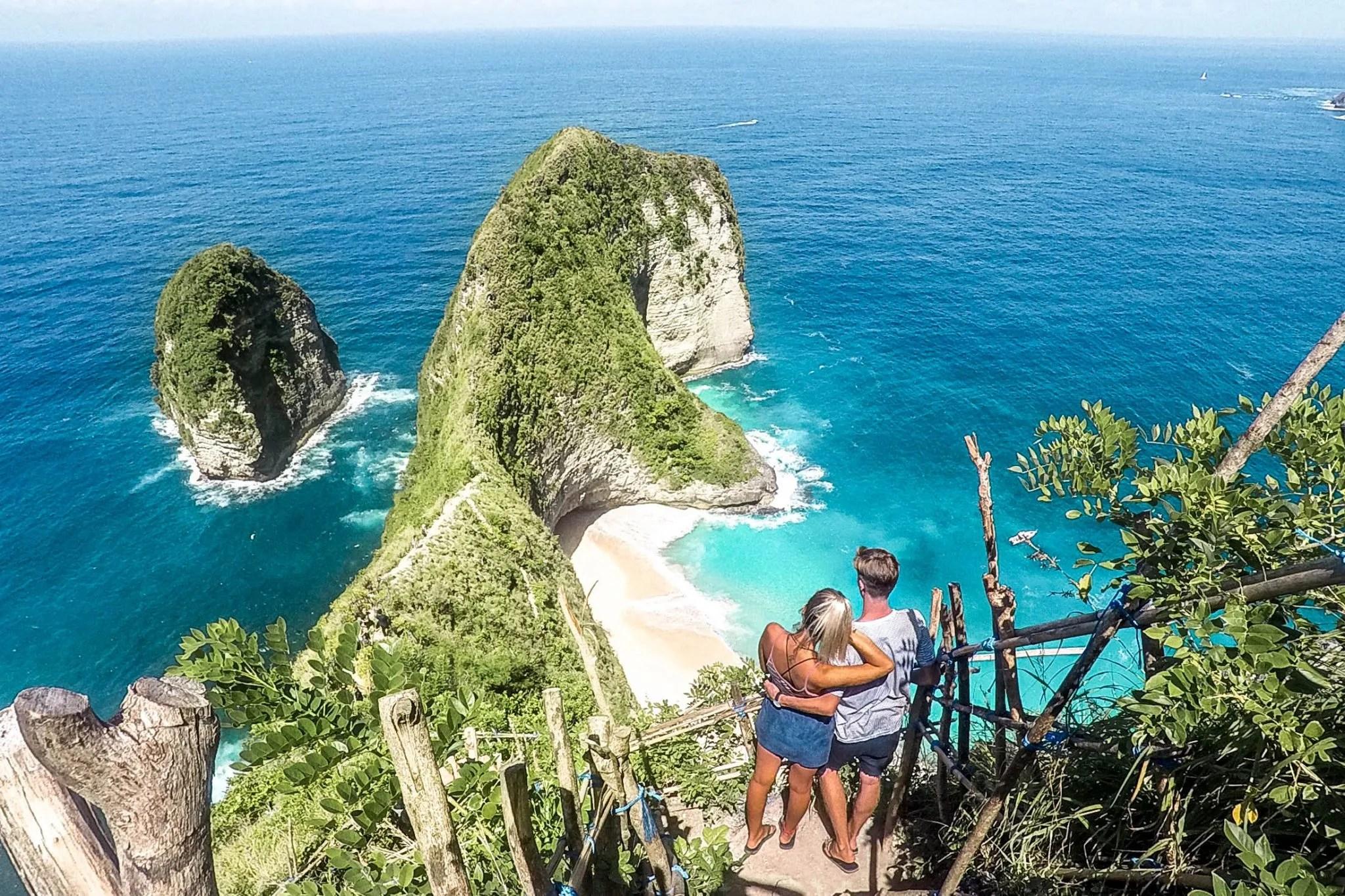 Wanderers & Warriors - Charlie & Lauren UK Travel Couple - Kelingking Beach Secret Point - Things To Do Nusa Penida - Our Nusa Penida Tour
