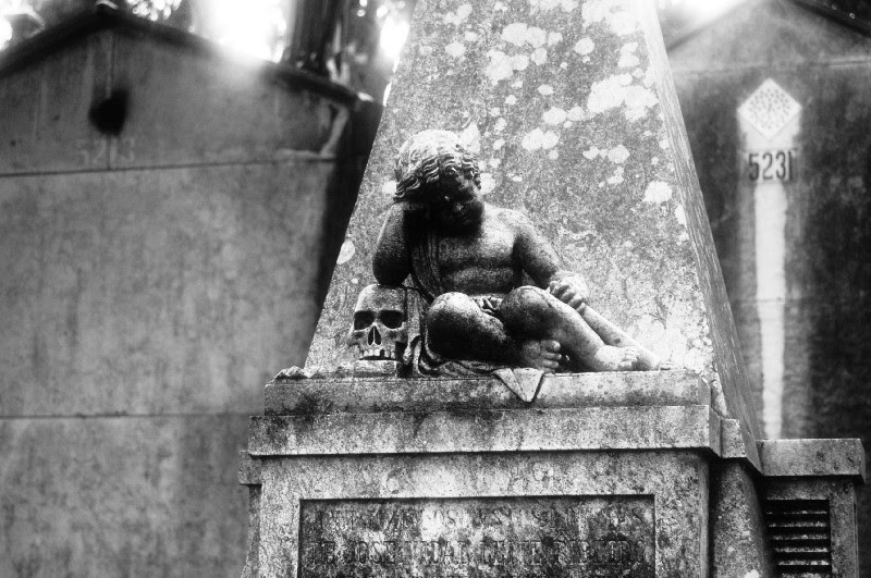 A graveyard of pleasures – Cemitério dos prazeres