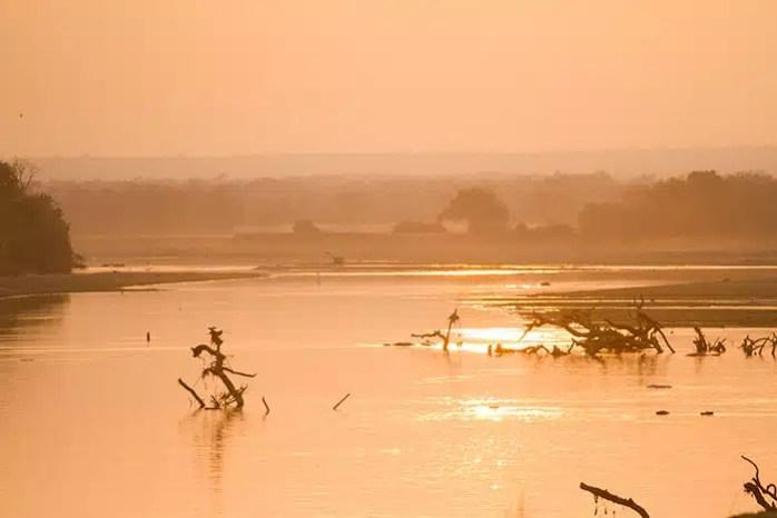 Riviere-Luangwa-coucher-soleil.jpg