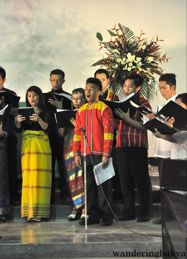 Singing part of Pamulinawen