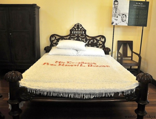 The narra bed of President Quezon is called an Atay bed named after its maker (I forgot the first name). An Atay bed has a trademark squash on each corner of the bed. President Quezon and his wife had separate beds because they did not want Doña Aurora to catch TB. The rooms of the couple are separated by a comfort room and a nurse's room.