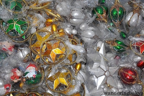 Christmas ornaments made of resin, P100 (US $2.23)
