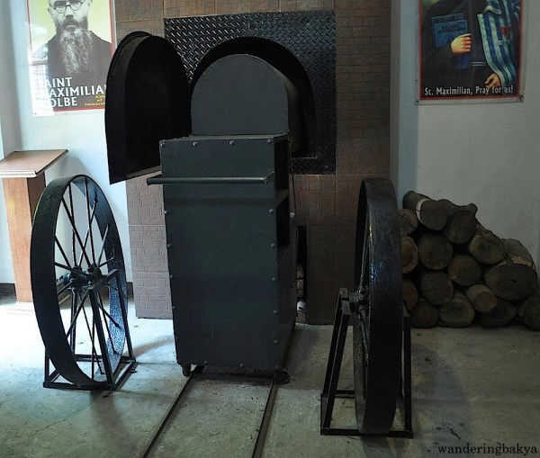Attached to the chapel is the representation of the prison cell of another Polish saint, Saint Maximilian Maria Kolbe. He was a Franciscan friar who gave his life in exchange for the life of a stranger in a death camp in Auschwitz. He was canonized by Pope John Paul II in 1982.