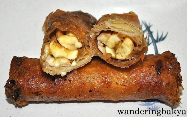 One of the best turons I have tasted. Its filling is sugared bananas and jackfruit. One turon costs P15.00 (US $0.34)