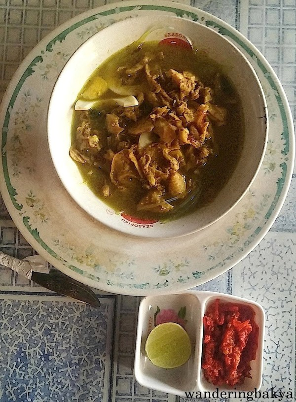 Bihun Kuah (rice noodle soup with chicken and vegetable), IDR 16,000 (US $1.23) at Fajar Resto