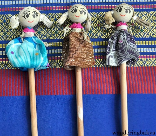 Pencils with dolls on one end, IDR 6,500 for a pack of 3 (US $0.51). I regret not buying more because they are too cute for words.