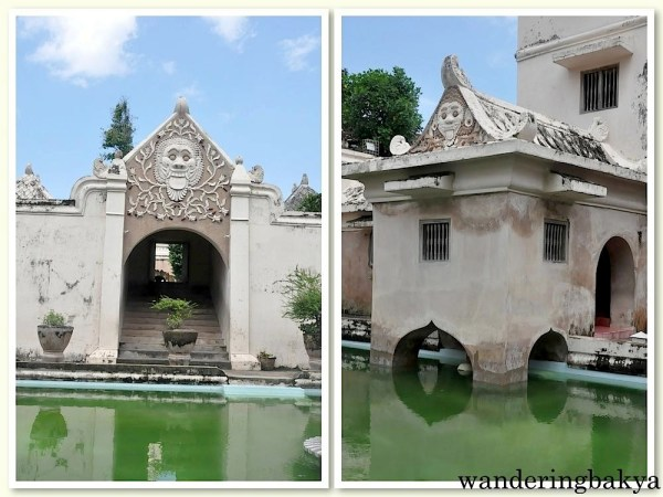 The Umbul Parisaman bathing complex. The photo on the right shows an structure with Buddhist, Hindu, Muslim and Chinese influences. I cannot remember which one is which except for the bottom part as the Muslim influence.