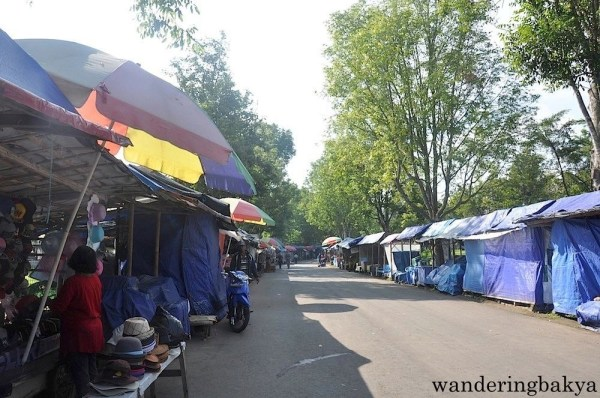 Some of the stalls that dot the road towards the exit of Borobudur temple