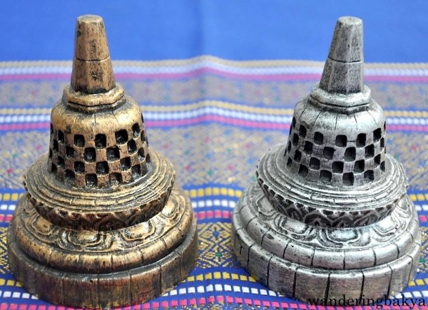 Stupa, IDR 16,500 (US $1.28) each