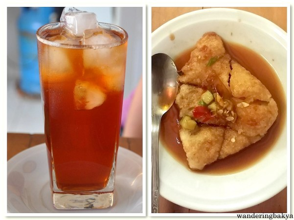 Iced tea and fish cakes prepared for us by Cek of The Wayang Homestay. The iced tea was a very much needed at 4pm in a sweltering Yogyakarta. The fish cake tasted like kikiam. It was nice. :)