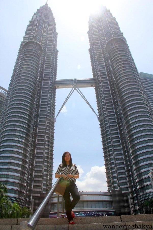 Petronas Twin Towers have 93 floors and 78 elevators!