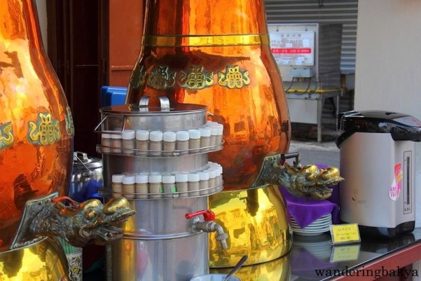 Tea for sale in the temple for RM 2 (US $0.56).