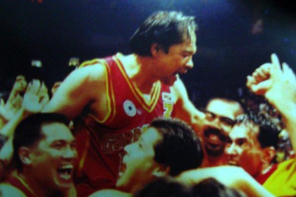 Robert Jaworski, Sr. and his Ginebra teammates. Photo from interaksyon.com
