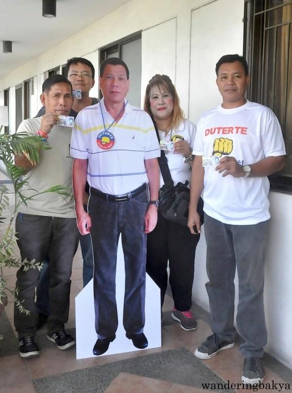 Some of MRRD NECC volunteers at the Pasig Headquarters.