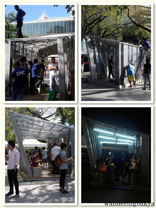 The Bookstop Project, the pop-up library that was inaugurated during ICM's Día del Libro 2016. When I arrived before 8am, it was being constructed. Bottom left photo by SPRDC.