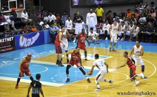 Game between Barangay Ginebra and Meralco Bolts