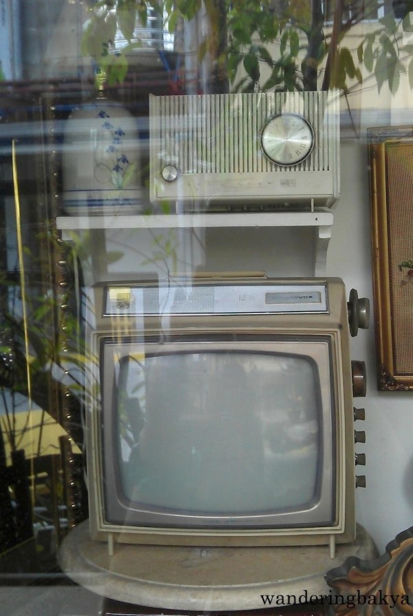 Vintage radio and television set – Cubao Expo