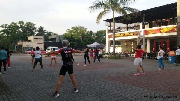 One of the open spaces is used as a place for early morning exercise. The blaring music was very upbeat. Passersby like me also moved with the beat. ☺