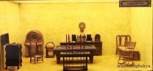 Miniature game room